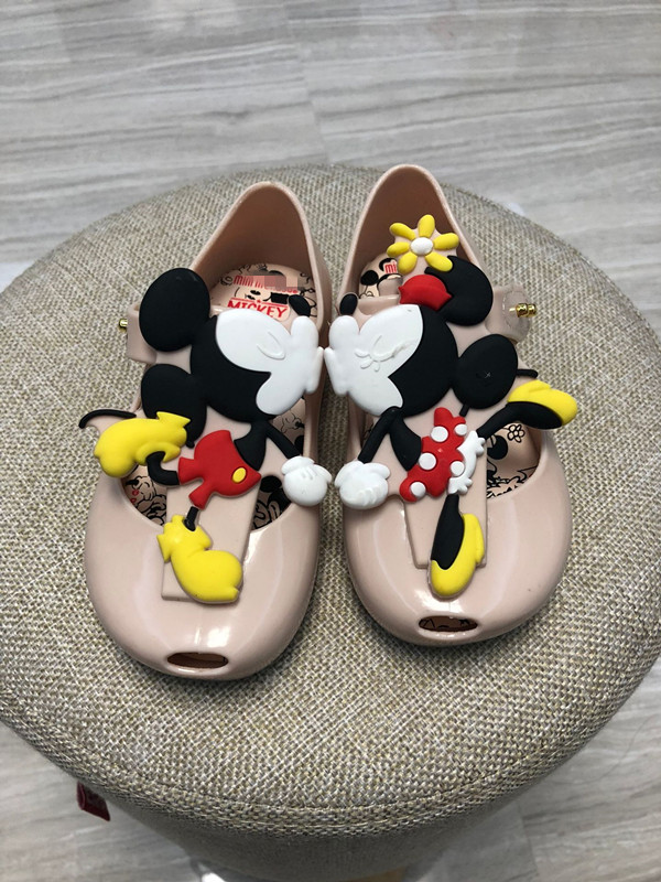 9f5301eaacde Mickey Mouse Cartoon Baby Sandals Beach shoes Child Jelly shoes Fragrance  shoes